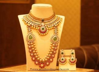 Gold Bridal Jewellery set from Manubhai Jewellers