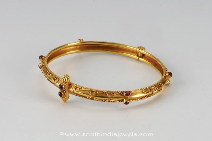 Simple Gold Bangle Design from Amarsons Pears Jewels