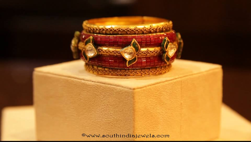 Gold Antique Ruby Bangle from Manubhai Jewellers