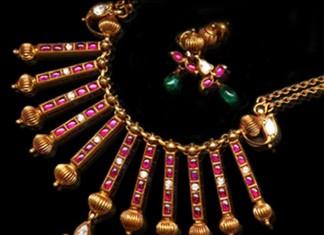 Gold Antique Ruby Spike Necklace Set