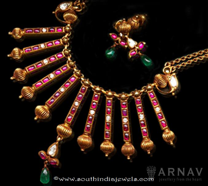 Gold Antique Ruby Spike Necklace Set
