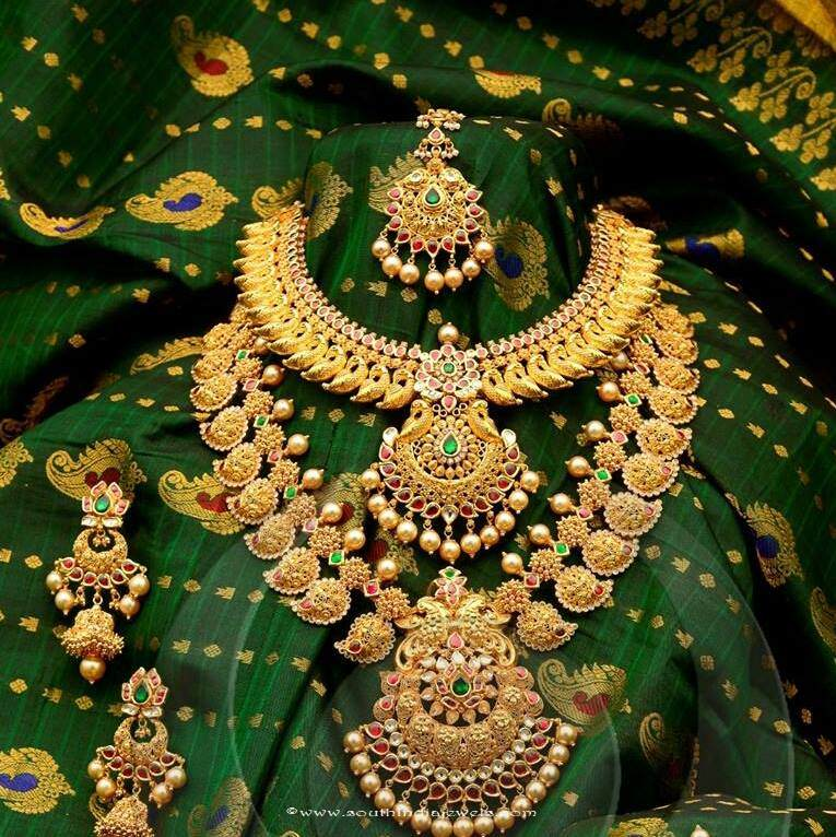 Gold Bridal Jewellery Set from Anagha Jewellery South India Jewels