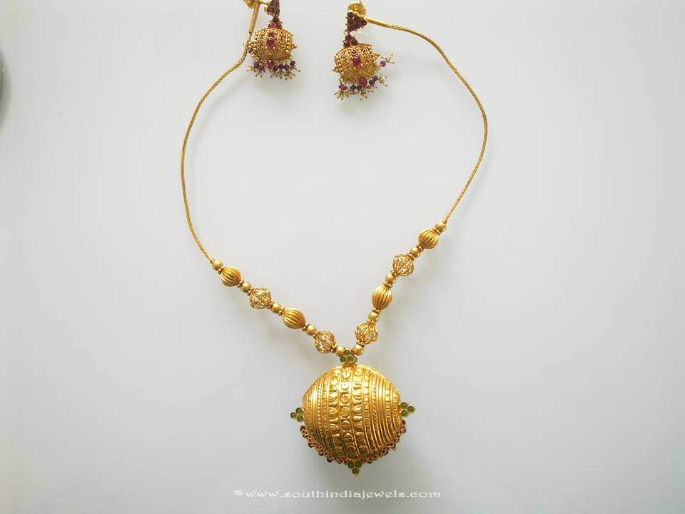 Gold Short necklace set from Prakruthi