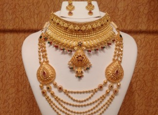 Gold Light Weight Hyderabad Bridal Jewellery