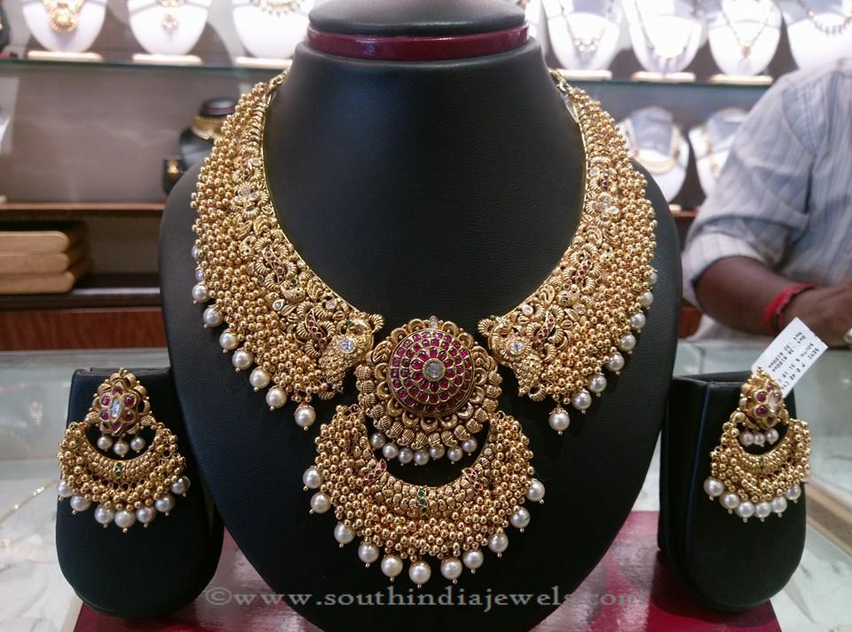 22k Gold Antique Necklace from Shyam Zaveri