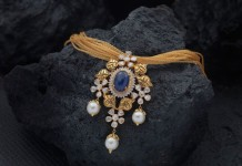 Gold Necklace with Sapphire Pendant