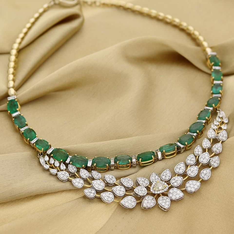 Manubhai Jeweller's Diamond Emerald Necklace