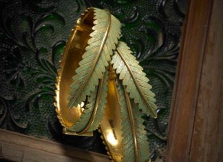 Gold Designer Leaf Bangle