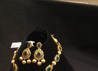 Gold Emerald Necklace Set with Earrings
