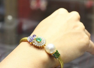 Gold Designer Bracelet with Pearls from Manubhai