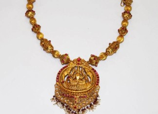 Gold Antique Necklace Set from Karpagam Jewellers