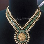 22KT Gold Emerald Necklace from Manepally Jewellery