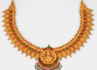 Gold Temple Jewellery Designs : Lakshmi Necklace