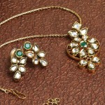 Imitation Kundan Pendant Set and Earrings