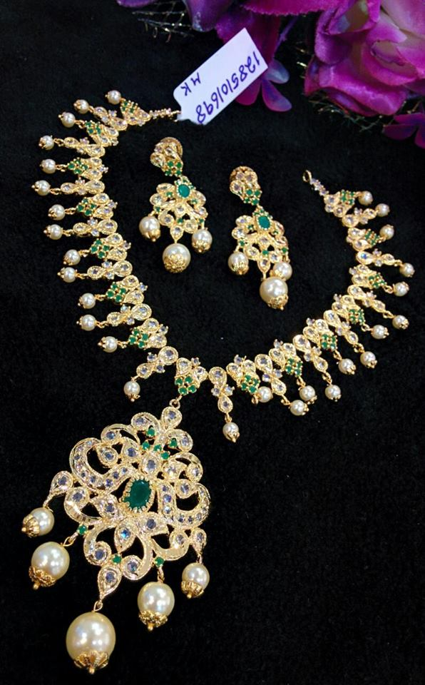 Latest Model Emerald Necklace