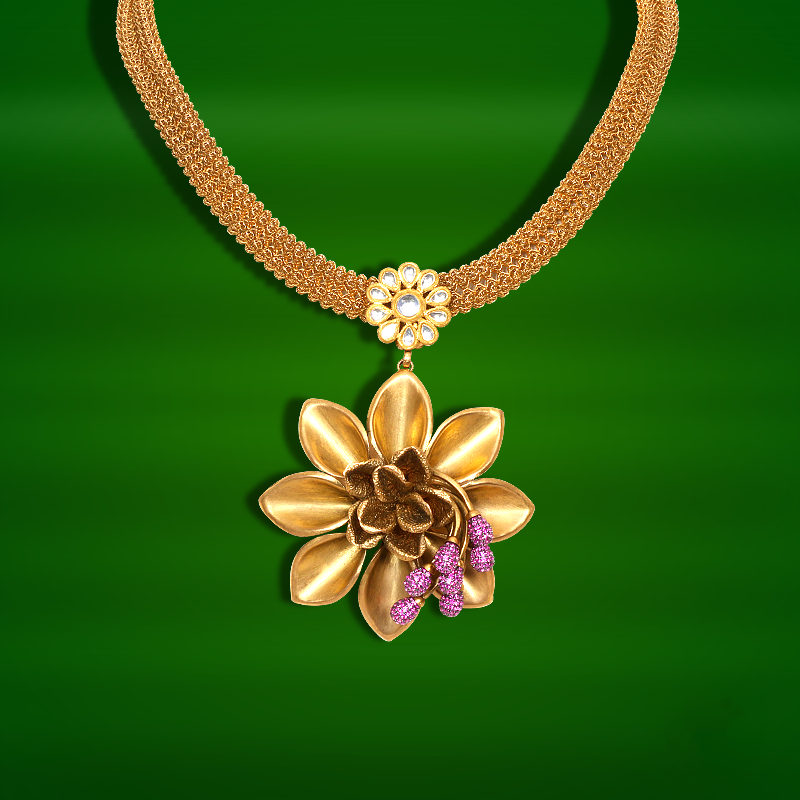 Light Weight Gold Necklace From GRT