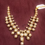 60 Grams Short Necklace with Pearl and White Stones