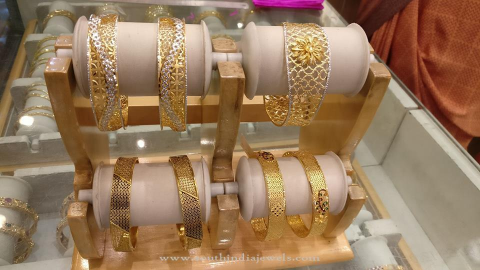 Designer Gold Bangles for Wedding Reception