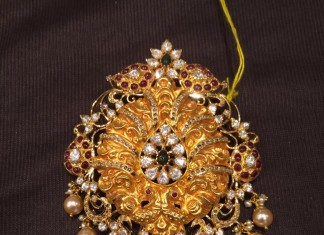 40 Grams Gold Pendant Design