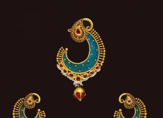 Gold Designer Antique Pendant Set