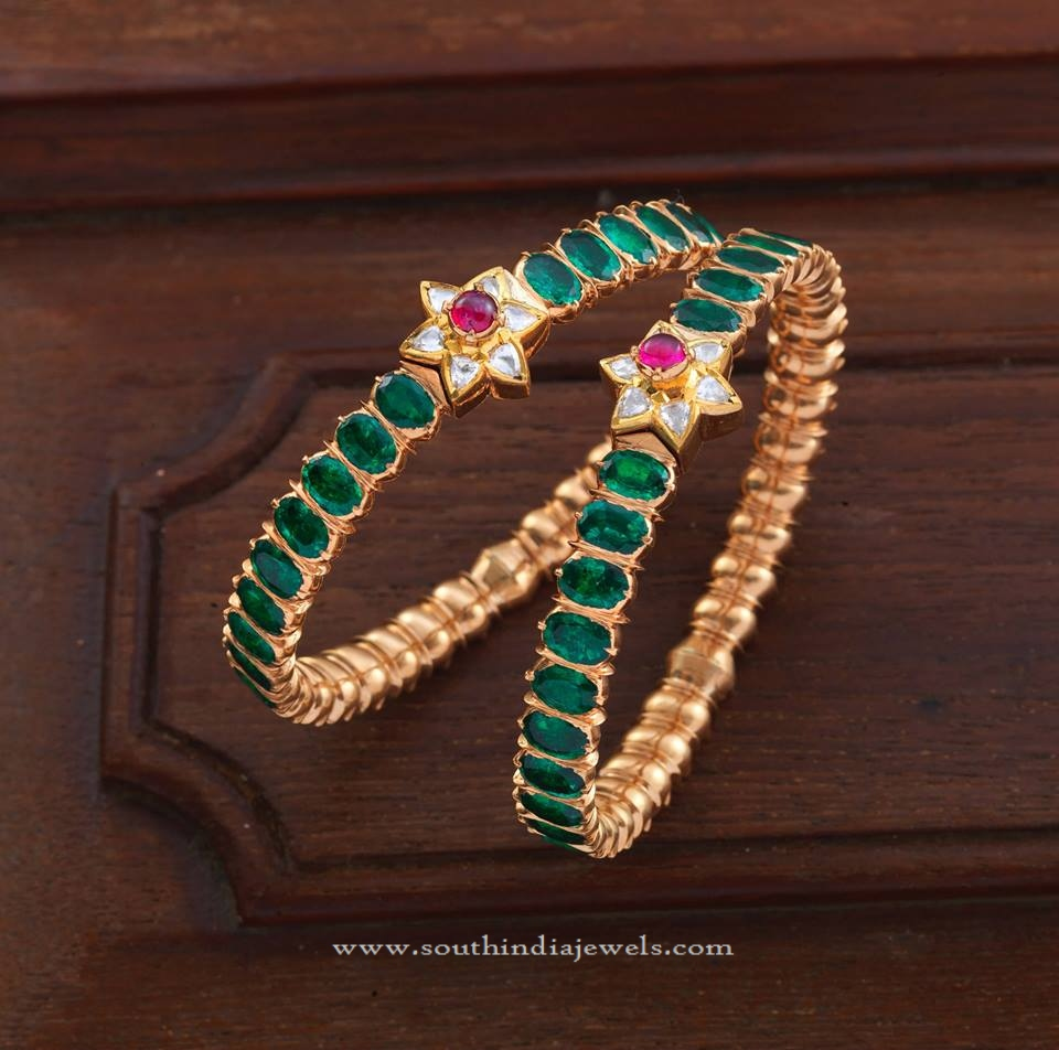 Gold Bangle Set For Sarees
