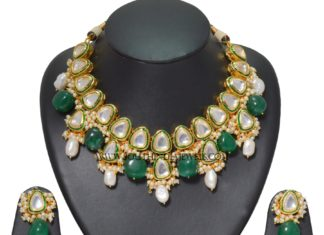 Kundan Emerald Choker Necklace