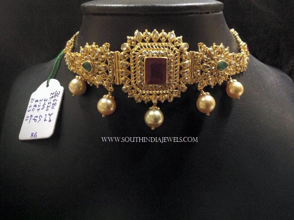 Short Gold Choker Necklace With Pearls