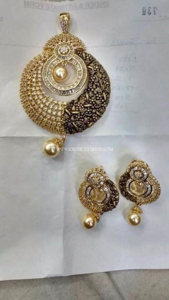 Designer Pendant Set & Earrings