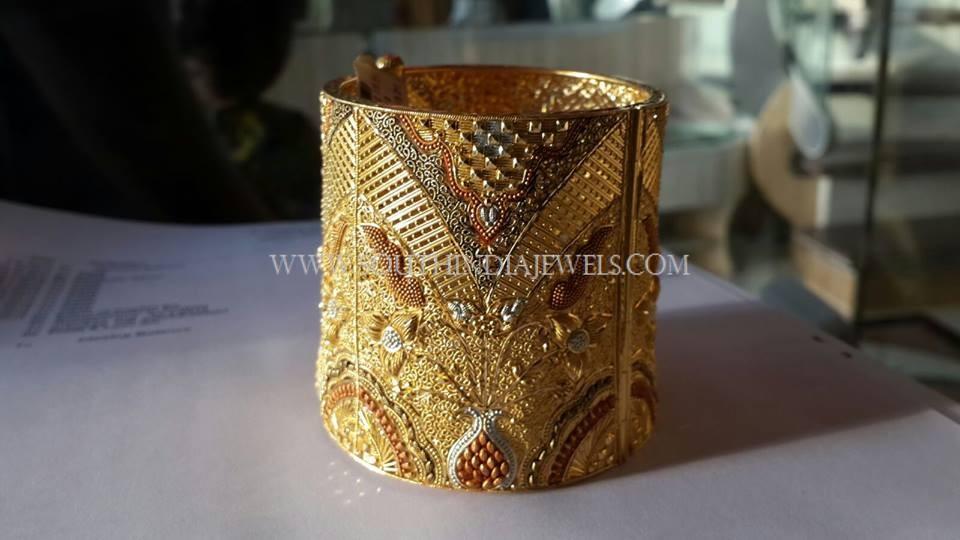 Gold Baloya Bangles