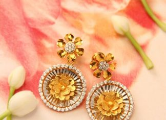Gold Floral Earrings From Manubhai Jewellers