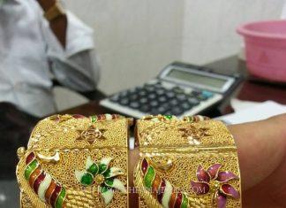 Gold Kangan With Enamel Work