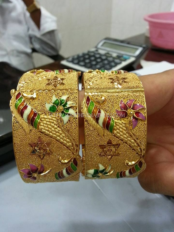 Gold Kangan With Enamel Work