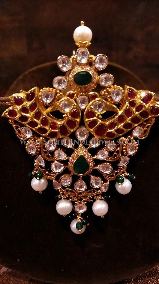 Gold Antique Uncut Diamond Pendant