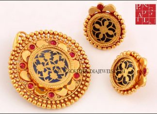 Gold Pendant Design From PN Gadgil & Sons