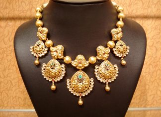 Gold Light Weight Antique Kundan Neckalce Design