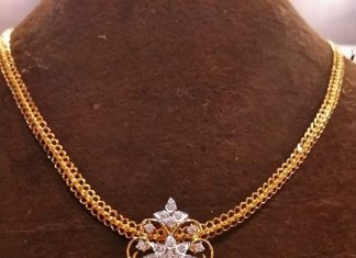 Gold Short Chain With Diamond Pendant