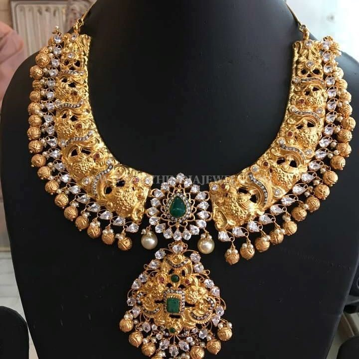 Grand gold Antique Necklace From Bhavani Jewellers