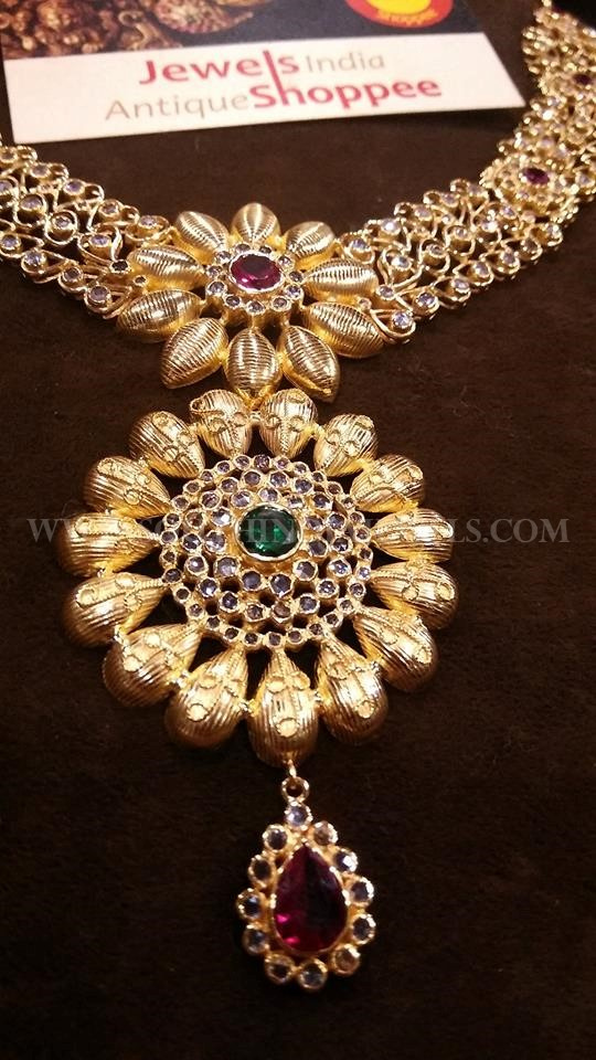 Gorgeous Gold Locket Design