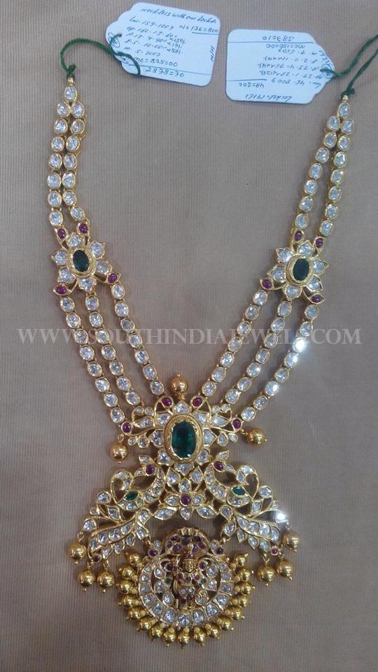 Diamond Step Necklace Model