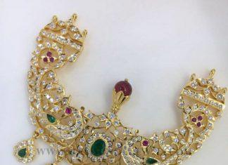 Bold Gold Pendant For Haram