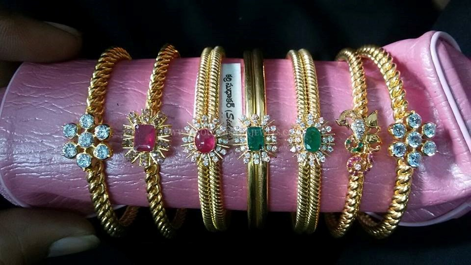 Gold Antique Bangle Collections