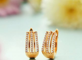 Pretty Ear Stud From Manubhai Jewellers