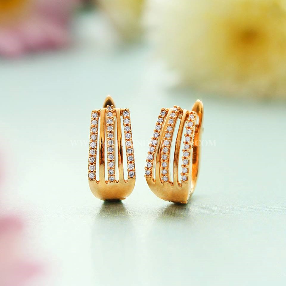Pretty Ear Stud From Manubhai Jewellers
