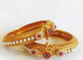 Gold Plated Antique Pearl Bangle Model