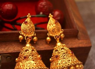 Traditional Gold Jhumka From Manubhai Jewellers
