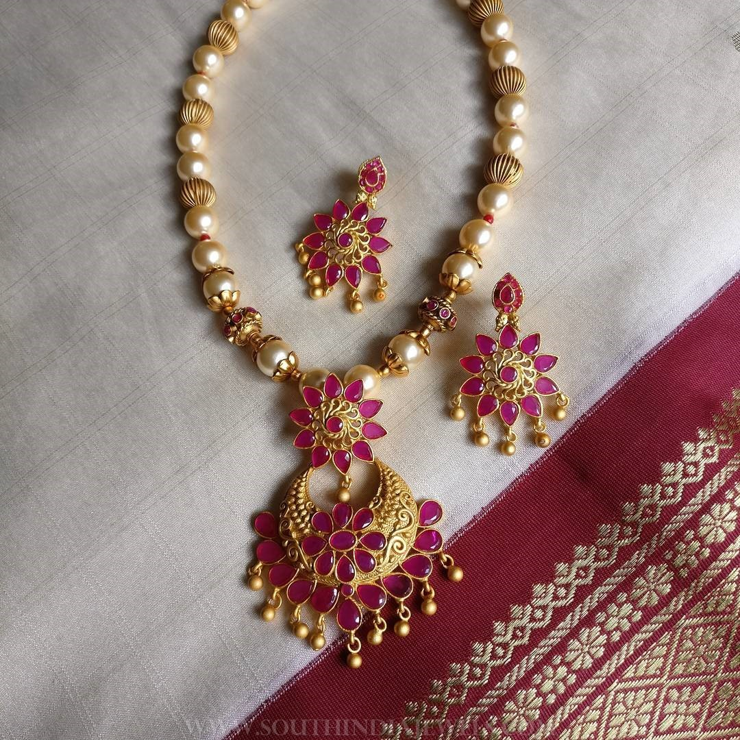 Short Pearl Necklace From Rimli Boutique