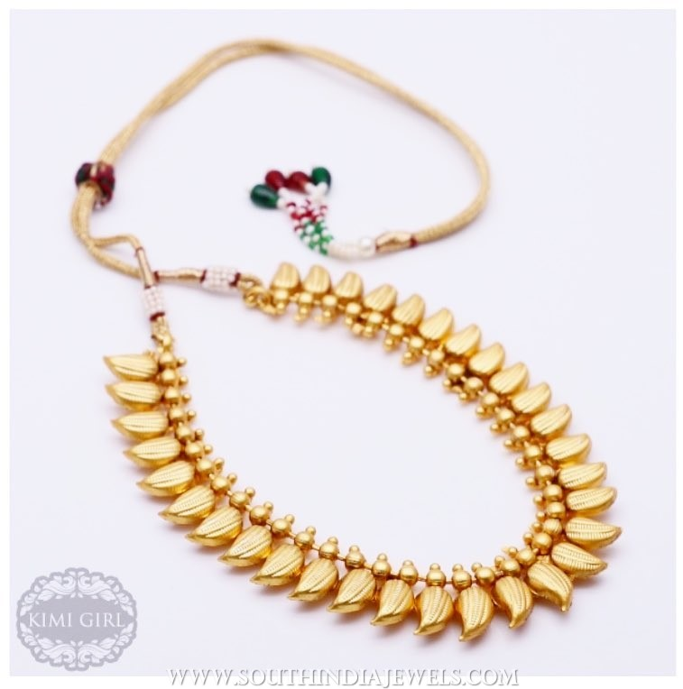 Traditional plain necklace kimi girl