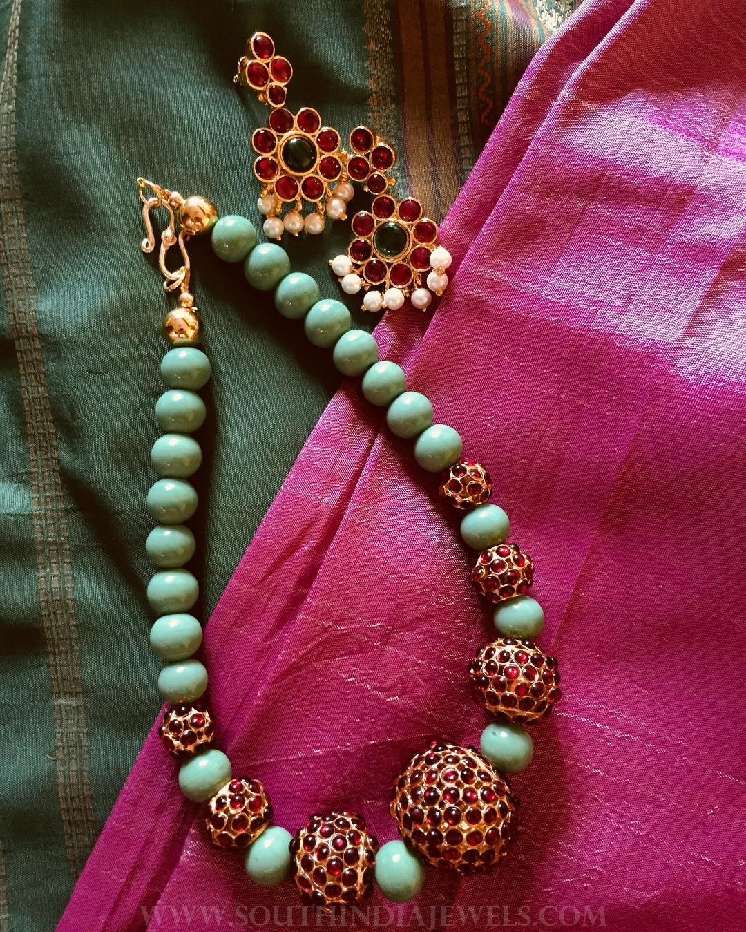 Beaded short kemp mala jayashandiworks