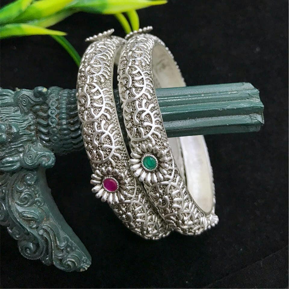 Silver kada bangle bead chicz