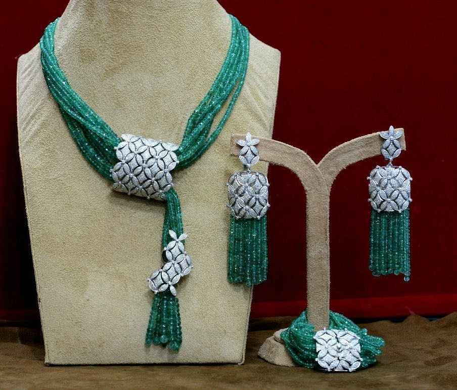 fashionable necklace set from majula jewellery south